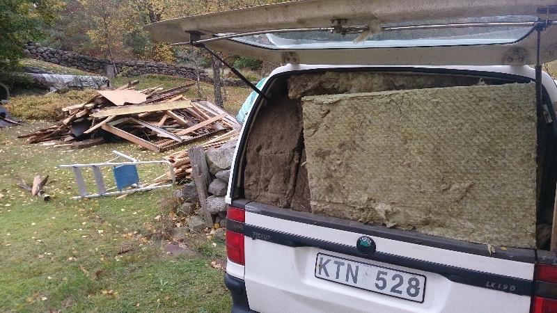 4 Bilen fylld med isolering
