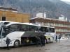 Dags att packa bussen, hotellet i bakgrunden