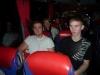Robin och Rasmus i bussen på väg hem till Sverige igen