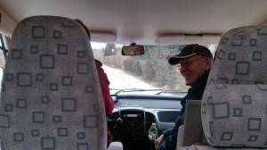 Werner och Wolfgang i husbilen på väg till stöten